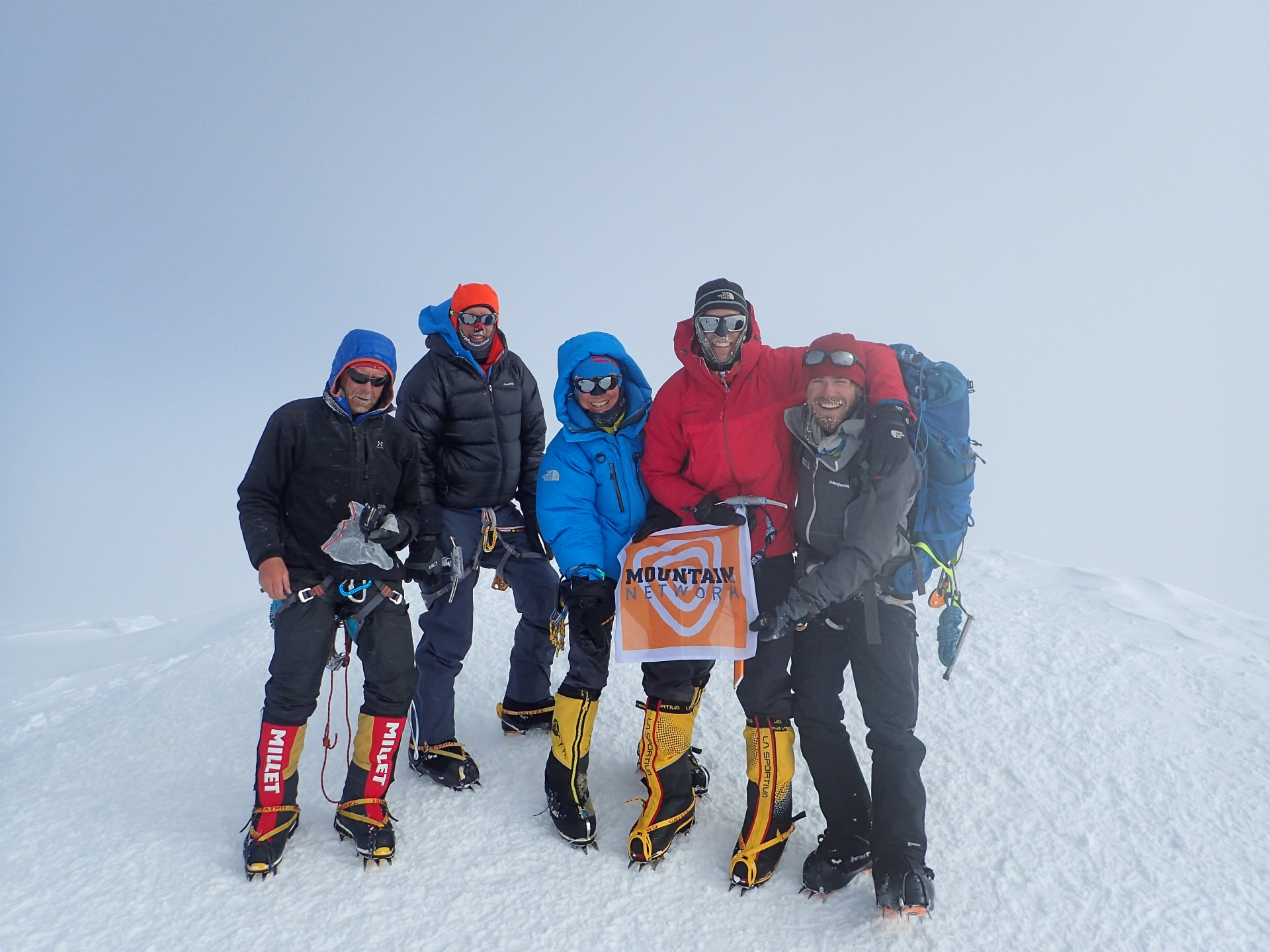 Mountain Network team op de top van de Denali